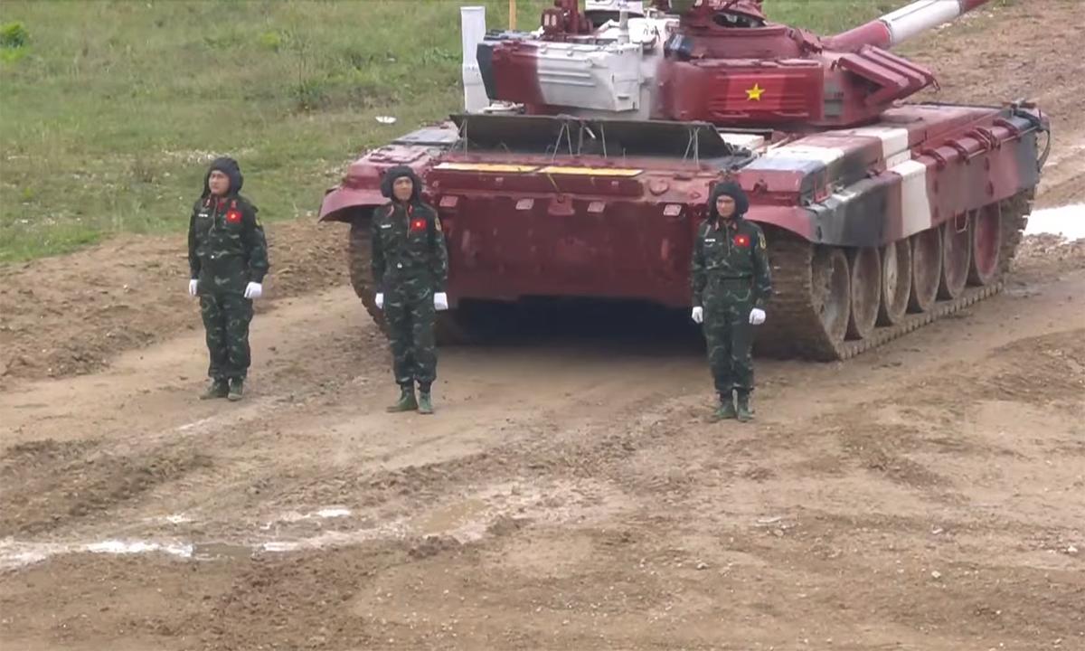 Kíp xe Việt Nam 2. Ảnh chụp màn hình kênh Youtube của BQP Nga.