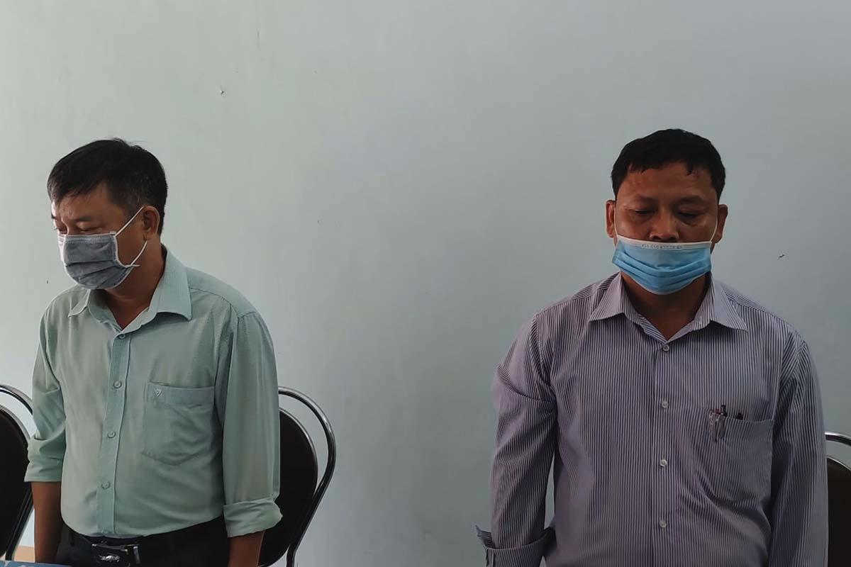 Ông Nguyễn Hữu Trinh (phải) và ông Cao Cự Ngọc bị bắt tạm giam. Ảnh: Công an cung cấp