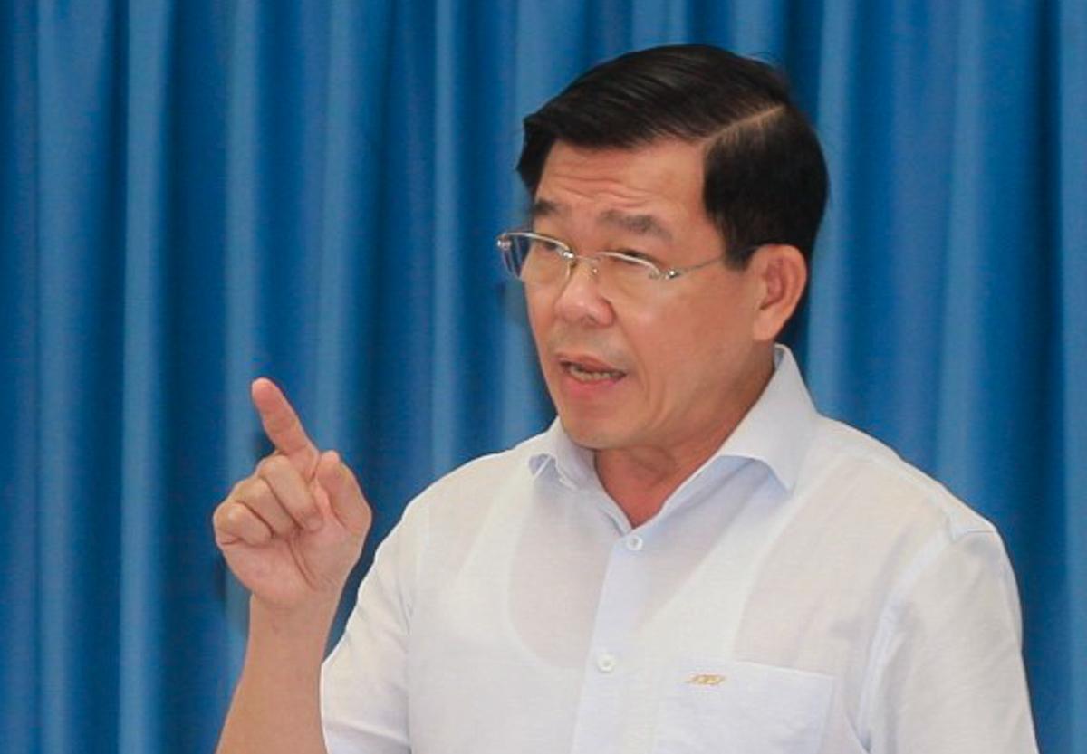 Ông Nguyễn Hồng Lĩnh chỉ đạo công tác Phòng chống Covid-19 tỉnh Đồng Nai sáng 23/8. Ảnh: Phước Tuấn