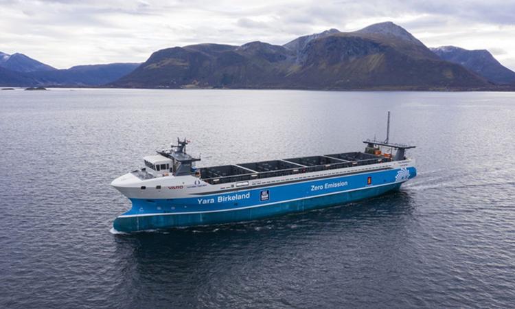 Tàu tự động Yara Birkeland dự kiến thực hiện hành trình đầu tiên cuối năm nay. Ảnh: Yara International