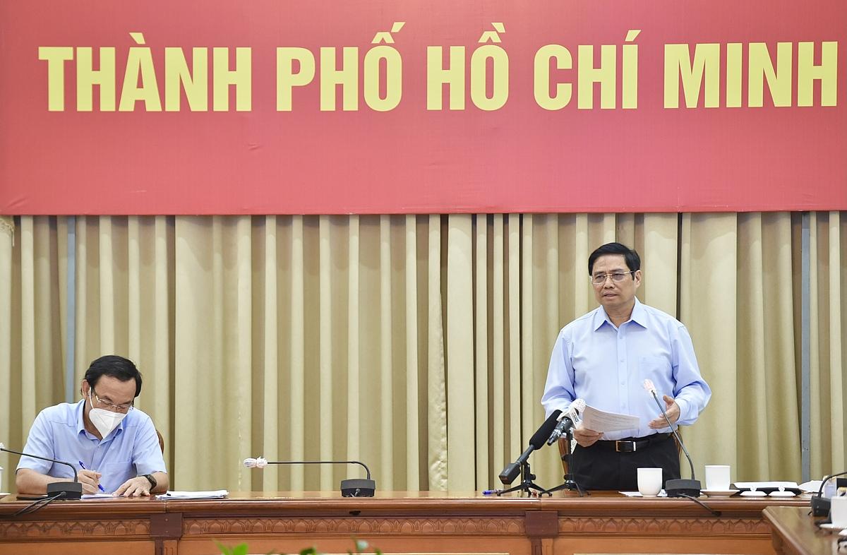 Thủ tướng Phạm Minh Chính phát biểu tại buổi làm việc với TP HCM chiều 26/8. Ảnh: VGP