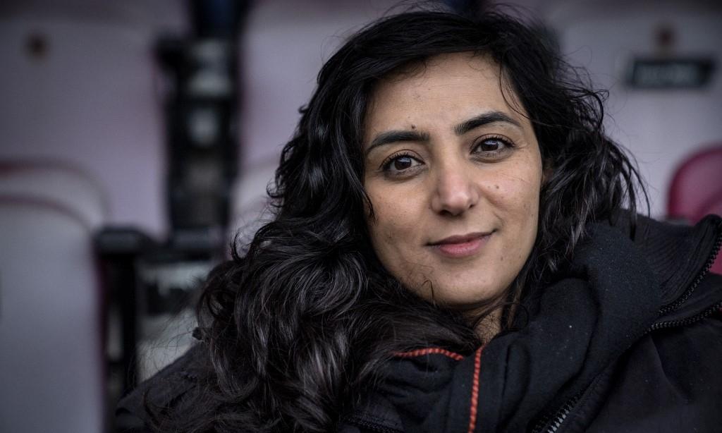Cựu đội trưởng đội tuyển bóng đá nữ Afghanistan Khalida Popal tại san vận động Farum Park, thành phố Farum, Đan Mạch, ngày 21/12/2020. Ảnh: AFP