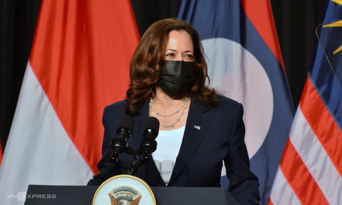 Phó tổng thống Mỹ Harris phát biểu tại lễ khai trương văn phòng CDC Đông Nam Á ở Hà Nội ngày 25/8. Ảnh: Vũ Anh.