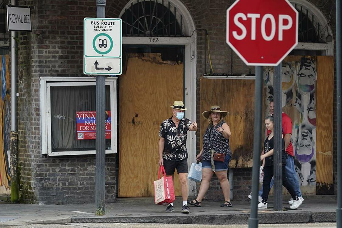 Nhà cửa tại thành phố New Orleans, Louisiana ngày 28/8 đã được gia cố chuẩn bị đón bão Ida. Ảnh: AP.