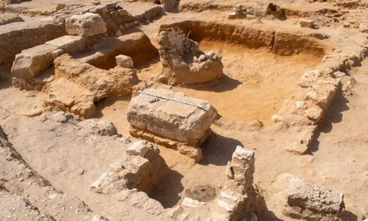 Tàn tích khu định cư có niên đại ít nhất 2.300 năm ở Ai Cập. Ảnh: Ahram