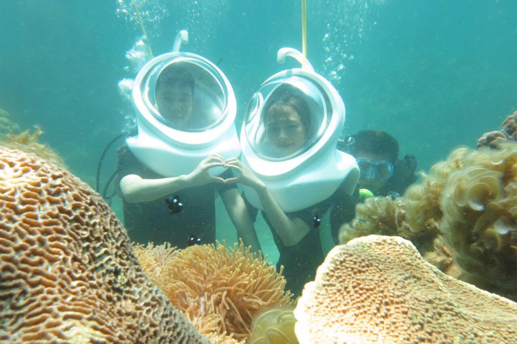 Lặn ngắm san hô ở Hòn Khô, xã Nhơn Hải, TP Quy Nhơn. Ảnh: Xuân Sáng