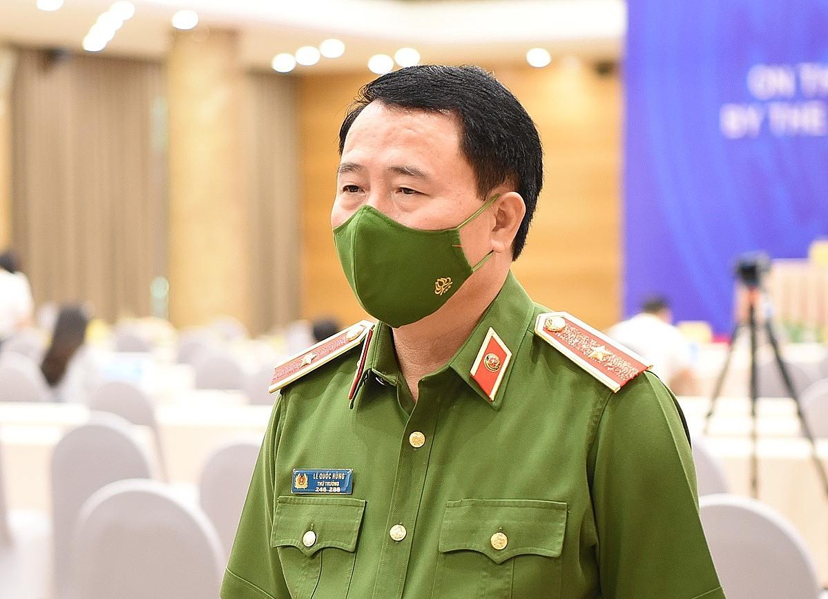 Thứ trưởng Công an, Lê Quốc Hùng trong buổi công bố Quyết định đặc xá năm 2021 của Chủ tịch nước, ngày 31/8. Ảnh: Danh Lam