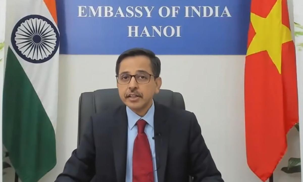 Đại sứ Ấn Độ tai Việt Nam Pranay Verma trong cuộc hội thảo trực tuyến ngày 12/8. Ảnh: ĐSQ Ấn Độ tại Việt Nam.