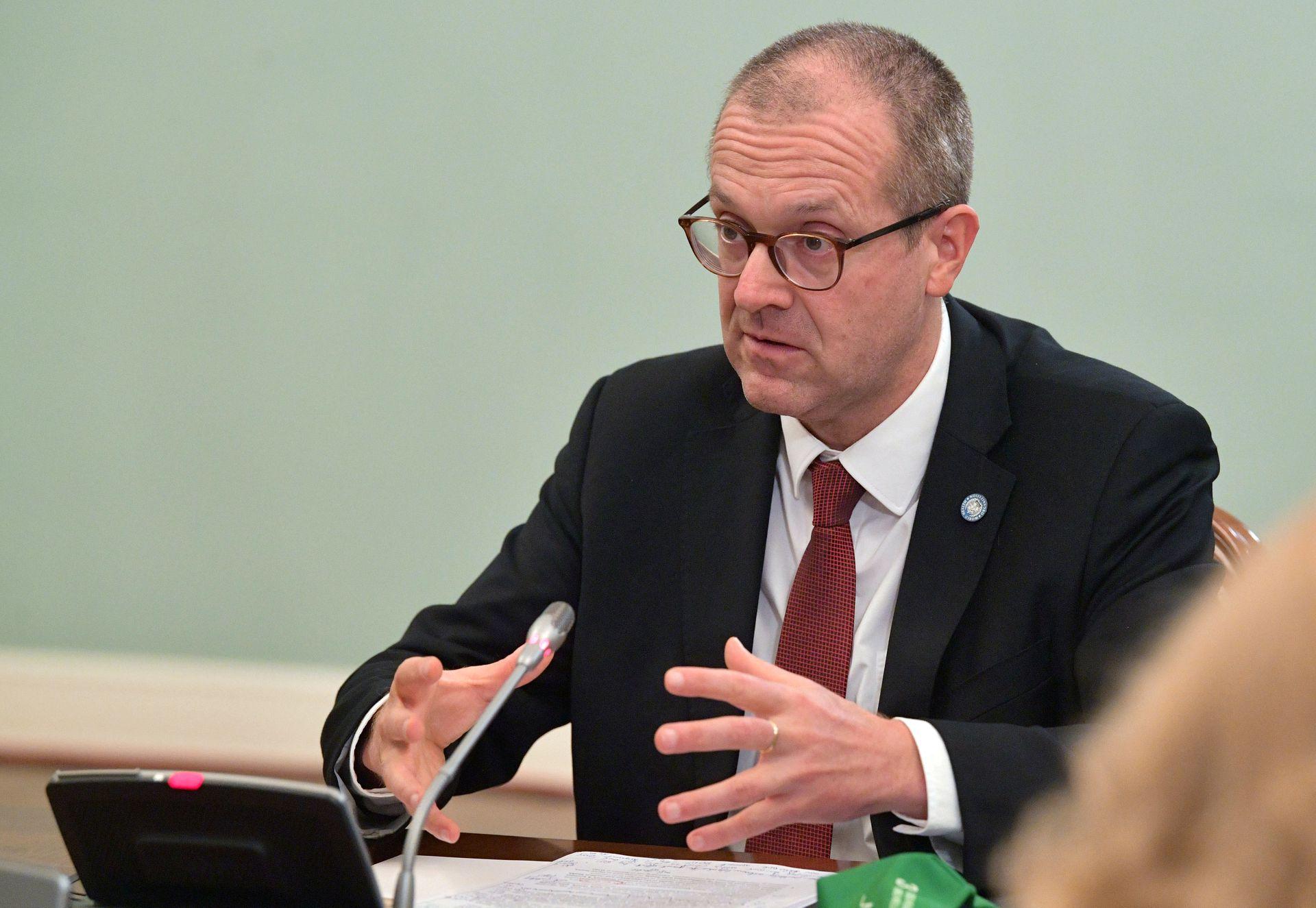 Giám đốc Tổ chức Y tế Thế giới (WHO) khu vực châu Âu Hans Kluge tại Moskva, Nga, hồi tháng 9/2020. Ảnh: Reuters.