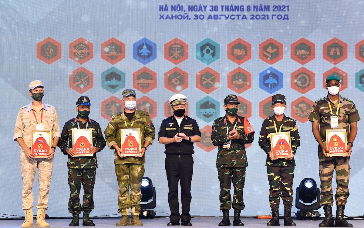 Đại diện các đội tuyển tham dự Army Games 2021 tại Việt Nam. Ảnh: Hoàng Thùy