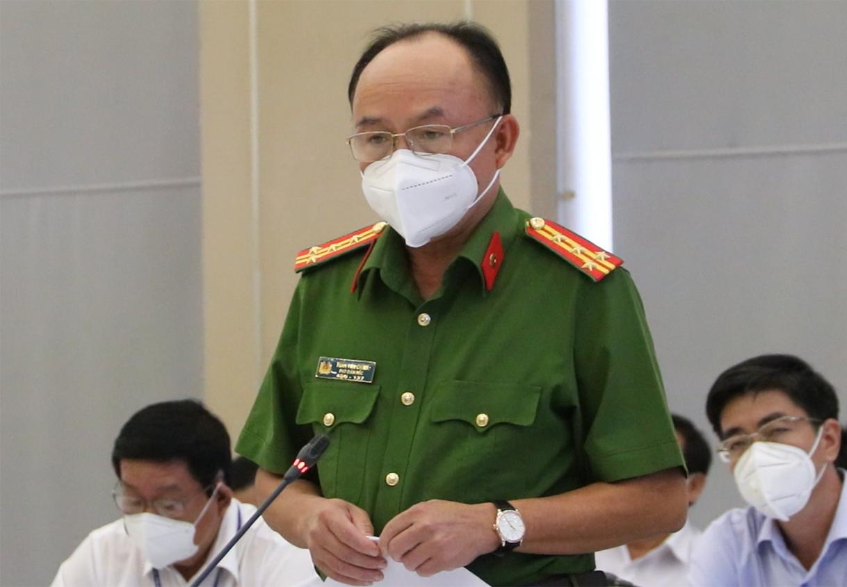 Đại tá Chính trong lần thông tin báo chí về sự việc ông Ngô Dương ngày 17/8. Ảnh: Thái Hà