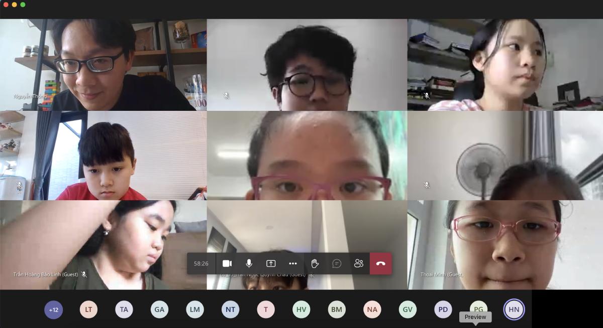 Buổi sinh hoạt đầu năm học lớp 6/3, trường THCS Nguyễn Du, quận 1 do thầy Nguyễn Thông chủ nhiệm sáng 1/9. Ảnh: Chụp màn hình
