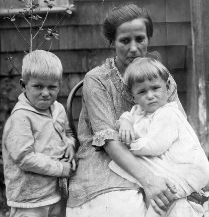 Bertha Kubal và hai con. Ảnh: NYdailynews