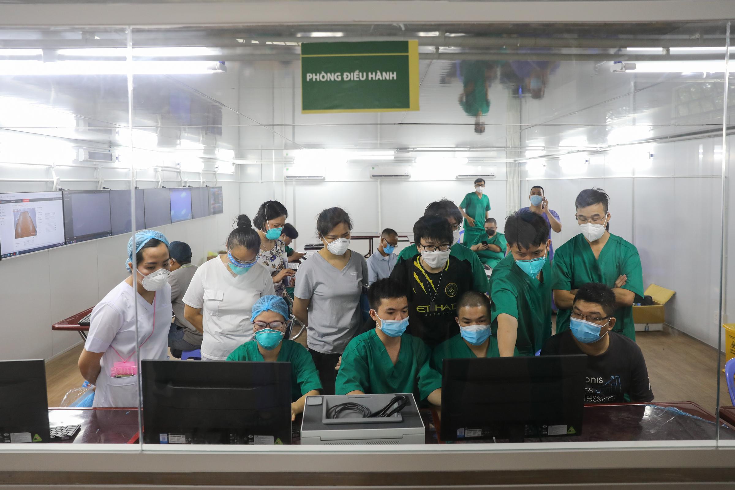 Trung tâm hồi sức Covid-19 quy mô 500 giường tại Bệnh viện dã chiến số 16 (quận 7) trước ngày hoạt động, ngày 7/8. Ảnh: Quỳnh Trần