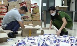 Gần 1.000 hộp thuốc 'điều trị Covid-19' bị thu giữ