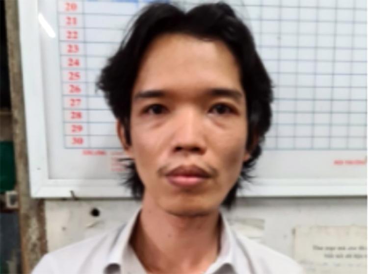Nguyễn Hoàng Suốt tại cơ quan công an. Ảnh: Mai Trang