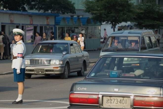 Xe hơi trên đường phố Triều Tiên. Ảnh: NKNews