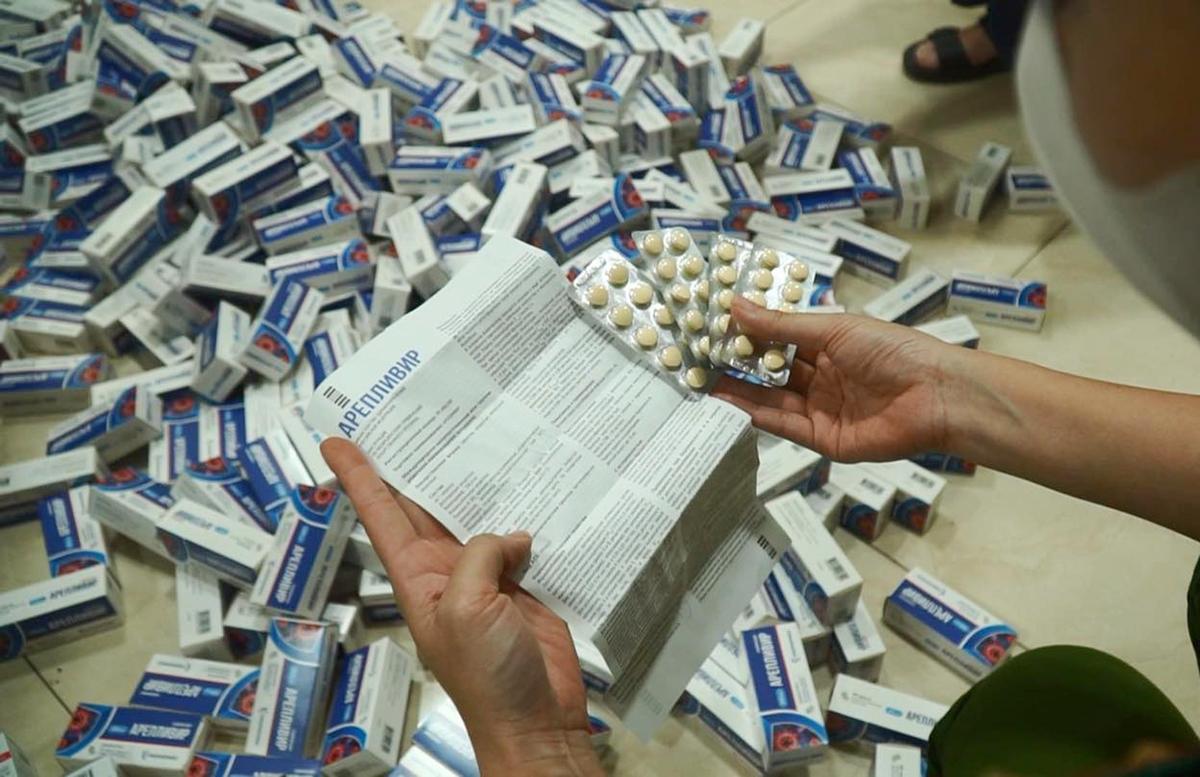 Số thuốc chữa Covid- 19 bị phát hiện. Ảnh: Công an cung cấp.