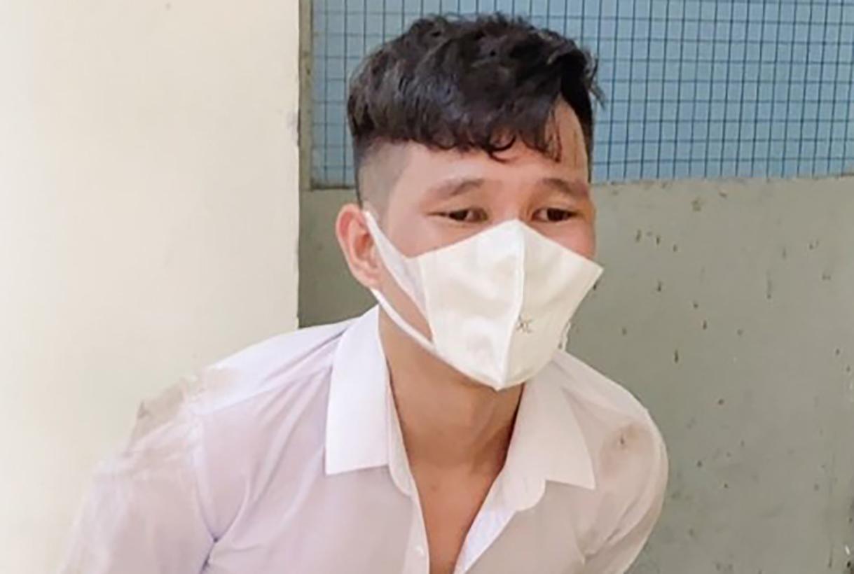Nguyên bị bắt giữ tại khu vực kiểm tra xe trên đường Phạm Văn Thuận. Ảnh: Thái Hà