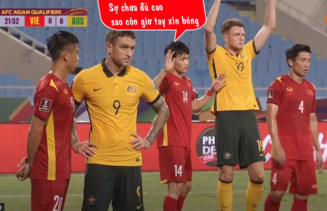Tuyển Việt Nam đã có một màn trình diễn ấn tượng trước gã khổng lồ Australia.