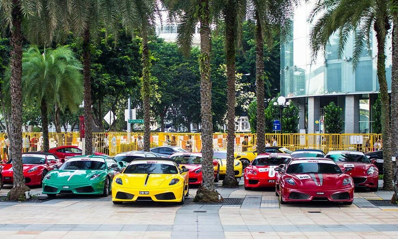 Những chiếc siêu xe xuất hiện tại Singapore. Ảnh: Gtspirit