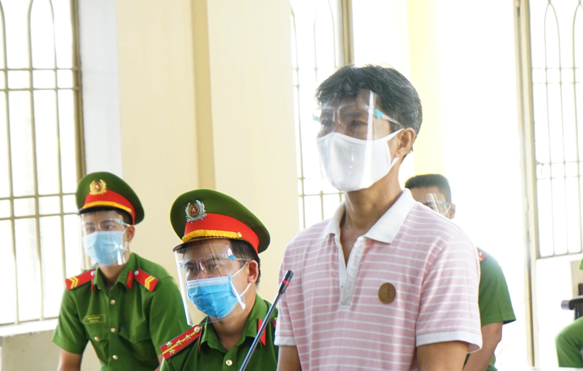 Lê Chí Tâm tại phiên tòa sơ thẩm sáng 8/9. Ảnh:Đắc Thành.
