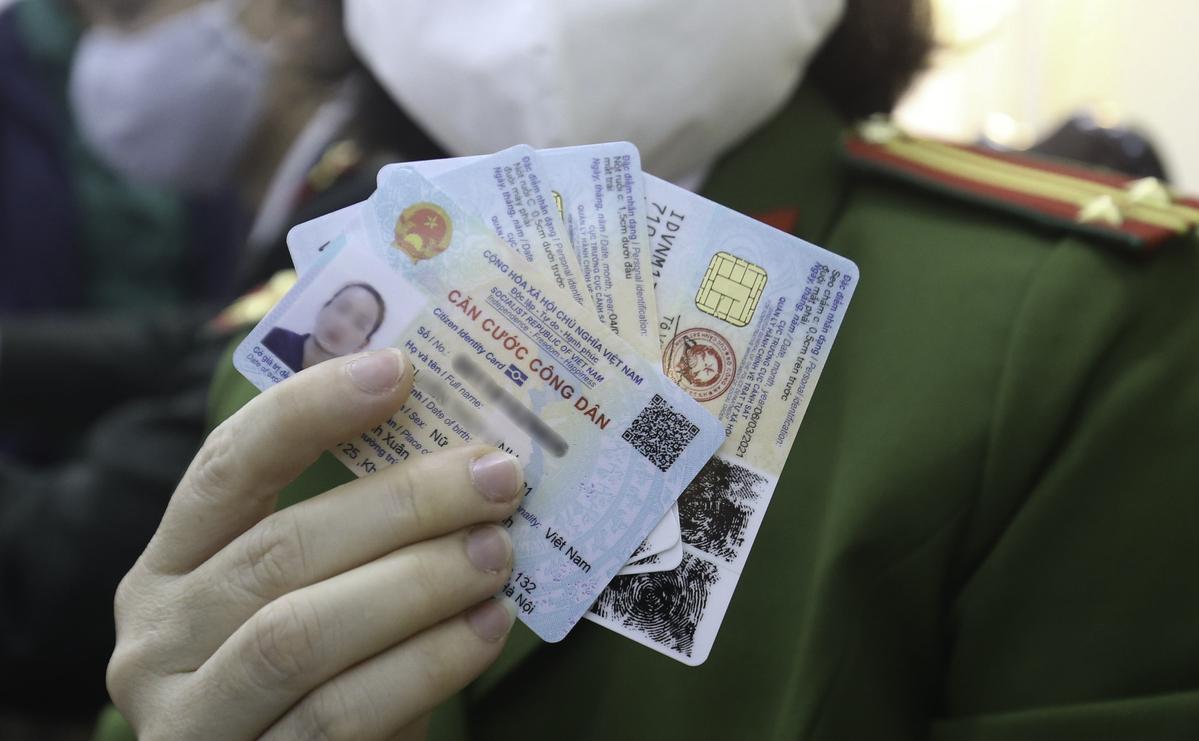 Thẻ căn cước công dân gắn chip và có mã QR. Ảnh: Giang Huy.
