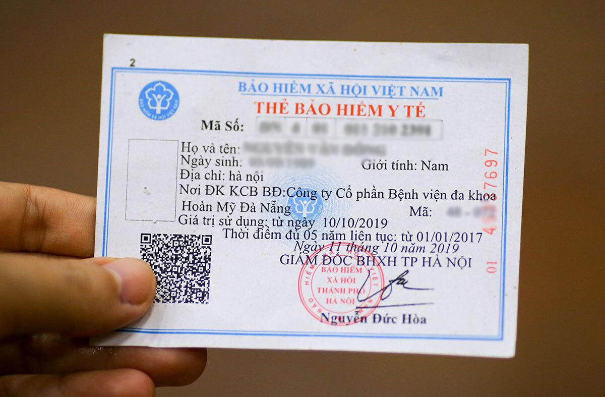 Mẫu thẻ bảo hiểm y tế. Ảnh: Nguyễn Đông.