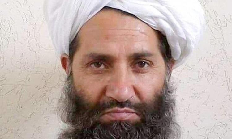 Thủ lĩnh tối cao Taliban Hibatullah Akhundzada trong bức ảnh được Taliban công bố năm 2016. Ảnh: Reuters.