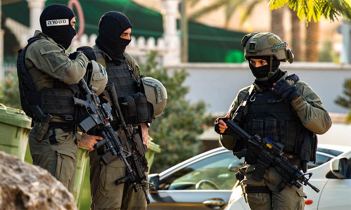 Cảnh sát đặc nhiệm Israel tới Naura ngày 7/9 để truy lùng các tù nhân vượt ngục. Ảnh: Flash90.