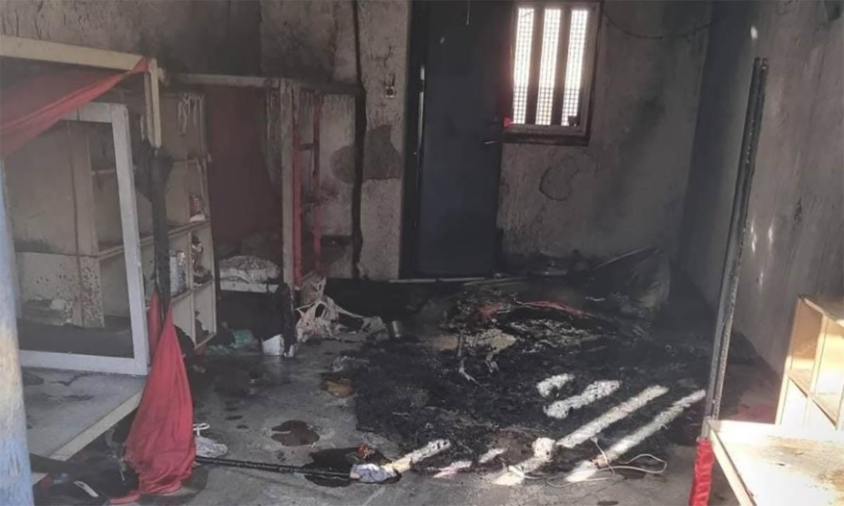 Một phòng giam của nhà tù Ketziot bị đốt trong vụ nổi loạn của tù nhân ngày 8/9. Ảnh: Times of Israel.