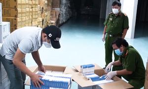 9.600 hộp thuốc 'điều trị Covid-19' bị thu giữ