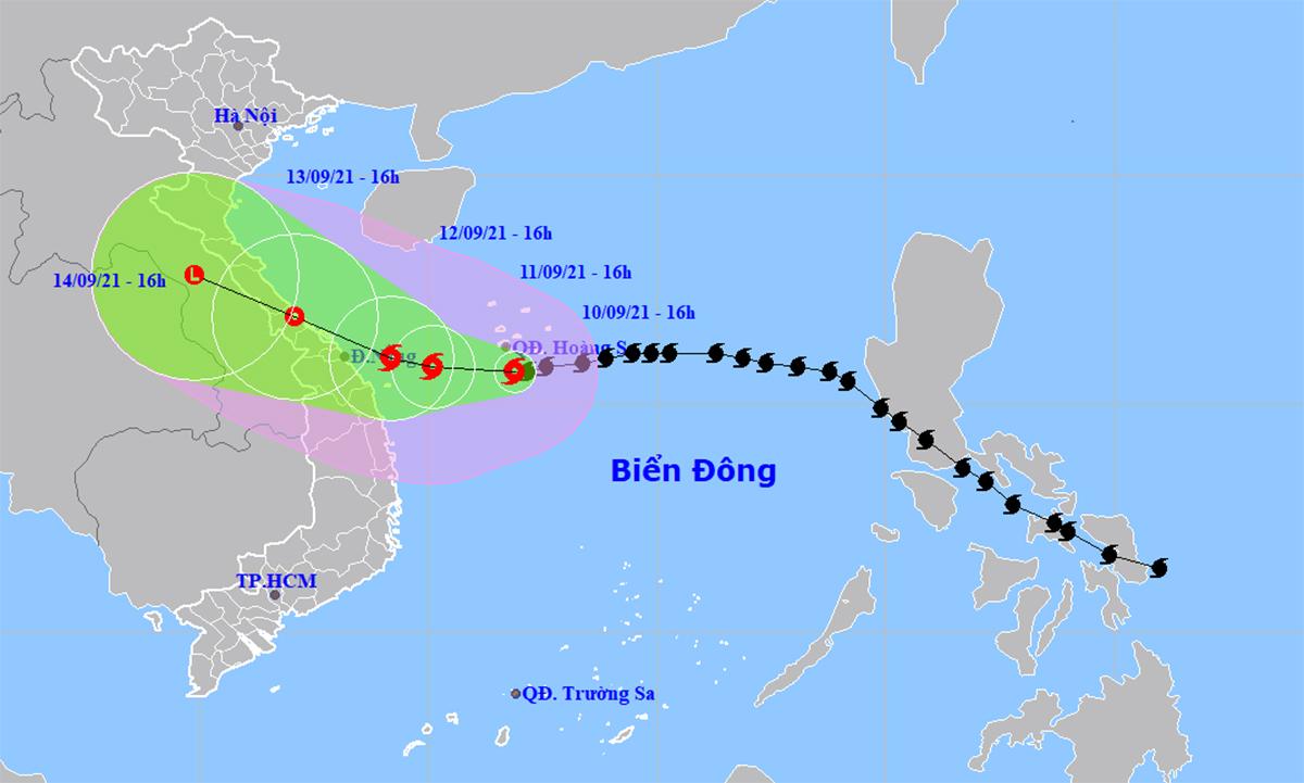 Vị trí và dự báo hướng đi của bão Côn Sơn ngày 10/9. Đồ họa: NCHMF.