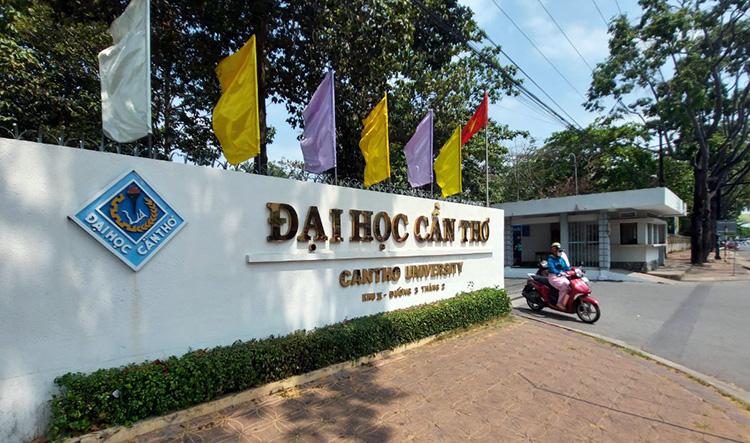 Đại học Cần Thơ (khu 2) trên đường 3/2 quận Ninh Kiều. Ảnh: Cửu Long