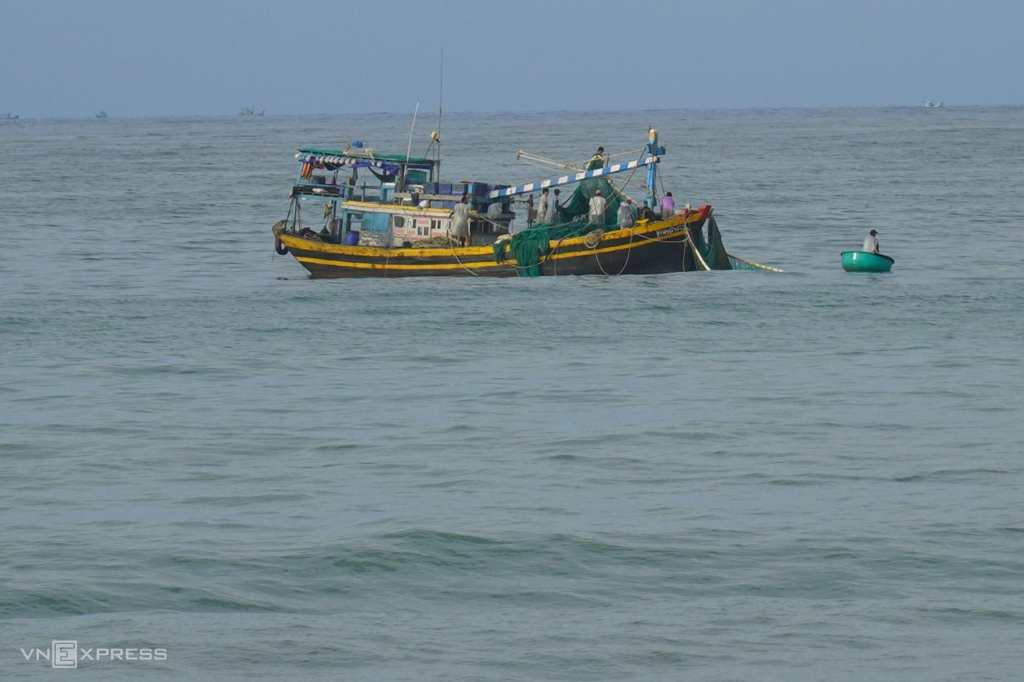 Tàu thuyền của ngư dân Phan Thiết đánh bắt hải sản trên biển, ngày 9/9. Ảnh: Việt Quốc
