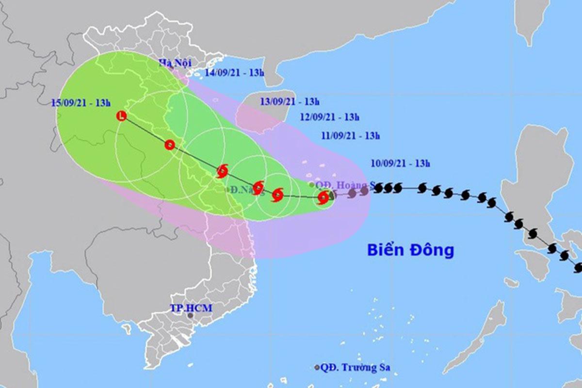 Dự kiến hướng đi và vùng ảnh hưởng của bão Côn Sơn. Ảnh: NCHMF