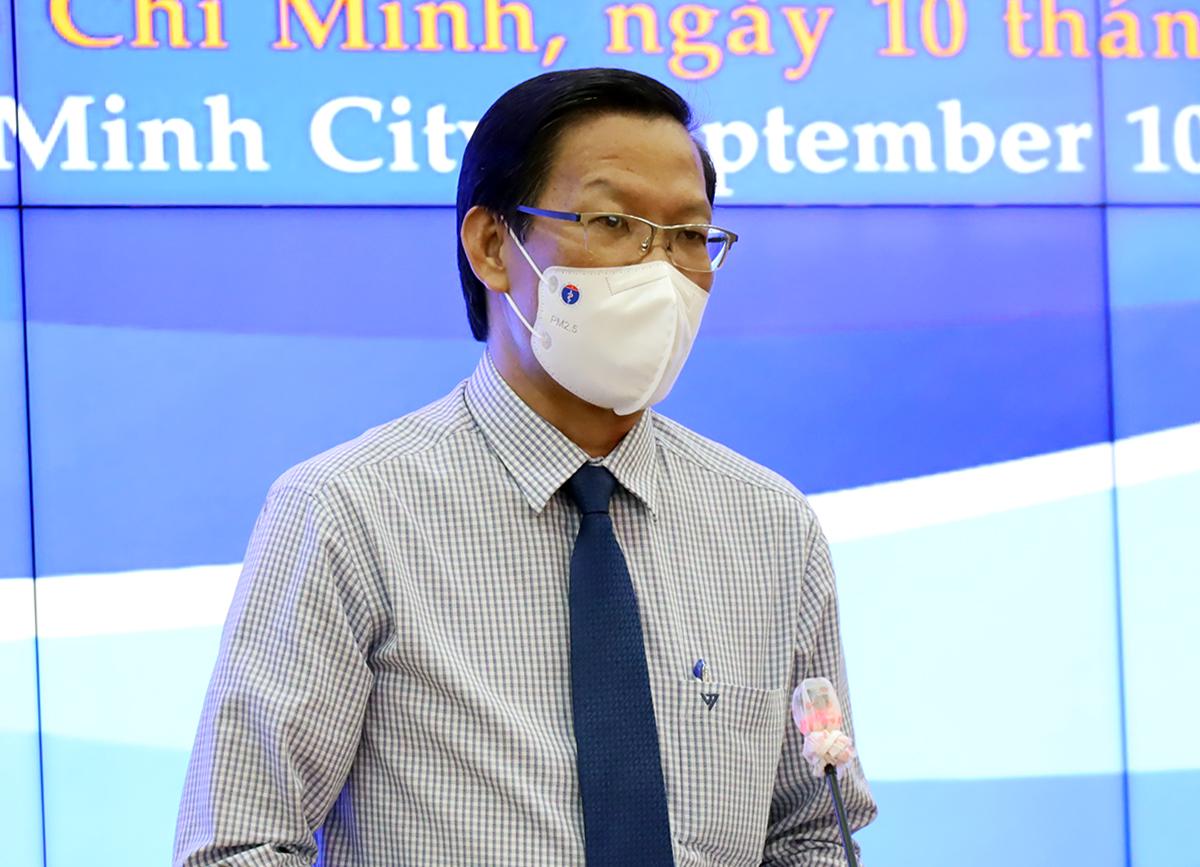 Chủ tịch UBND TP HCM Phan Văn Mãi phát biểu tại hội nghị chiều 10/9. Ảnh: Trung tâm báo chí TP HCM