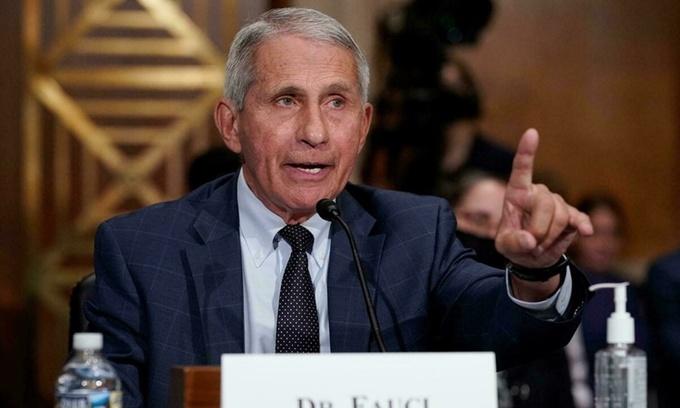 Tiến sĩ Anthony Fauci điều trần trước Ủy ban Y tế, Giáo dục, Lao động và Lương hưu của Thượng viện tại thủ đô Washington ngày 20/7. Ảnh: AFP.