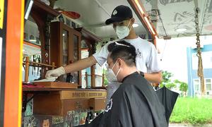 Xe cắt tóc lưu động miễn phí trong bệnh viện