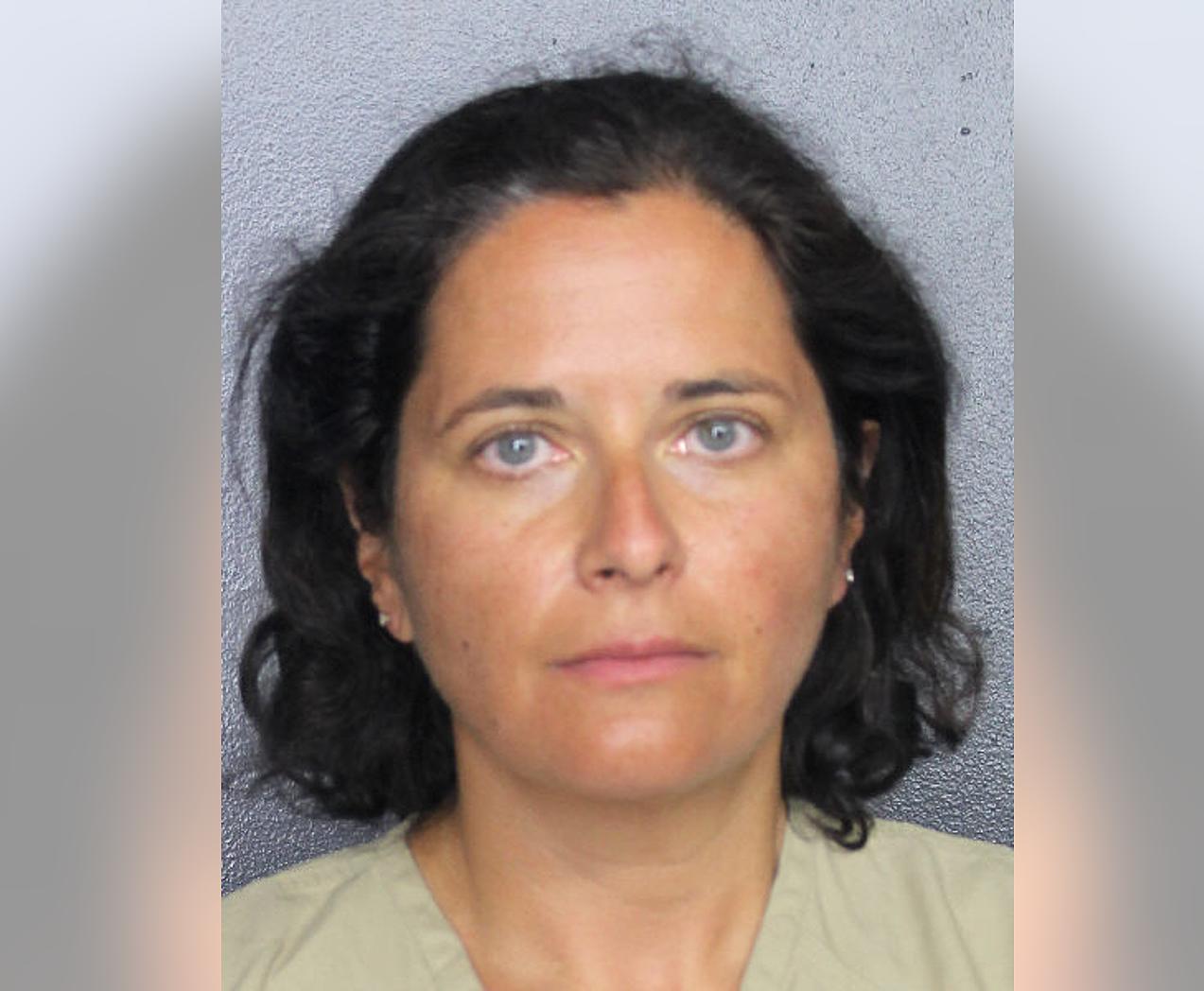 Marina Verbitsky nói dối có bom trong hành lý ký gửi để hoãn chuyến bay. Ảnh: Broward County Sheriffs Office)
