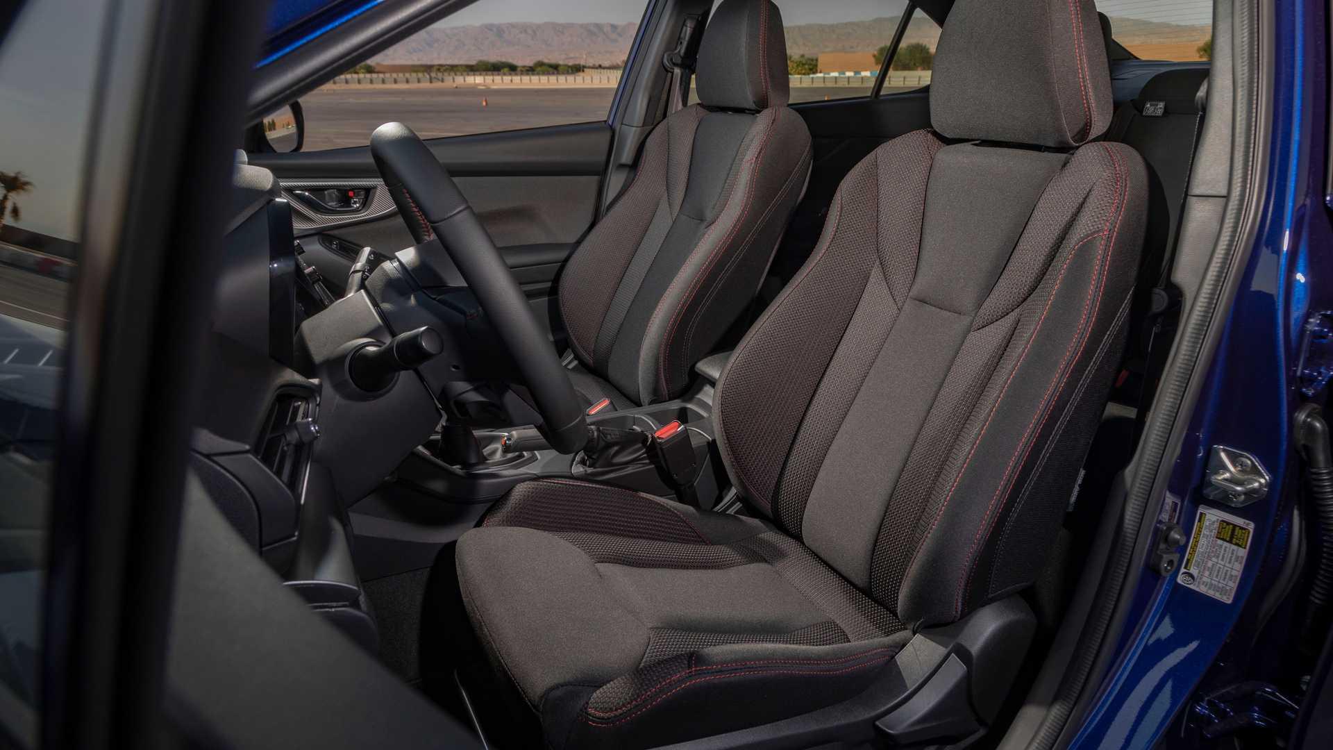 Hàng ghế phía trước của mẫu WRX. Ảnh: Subaru