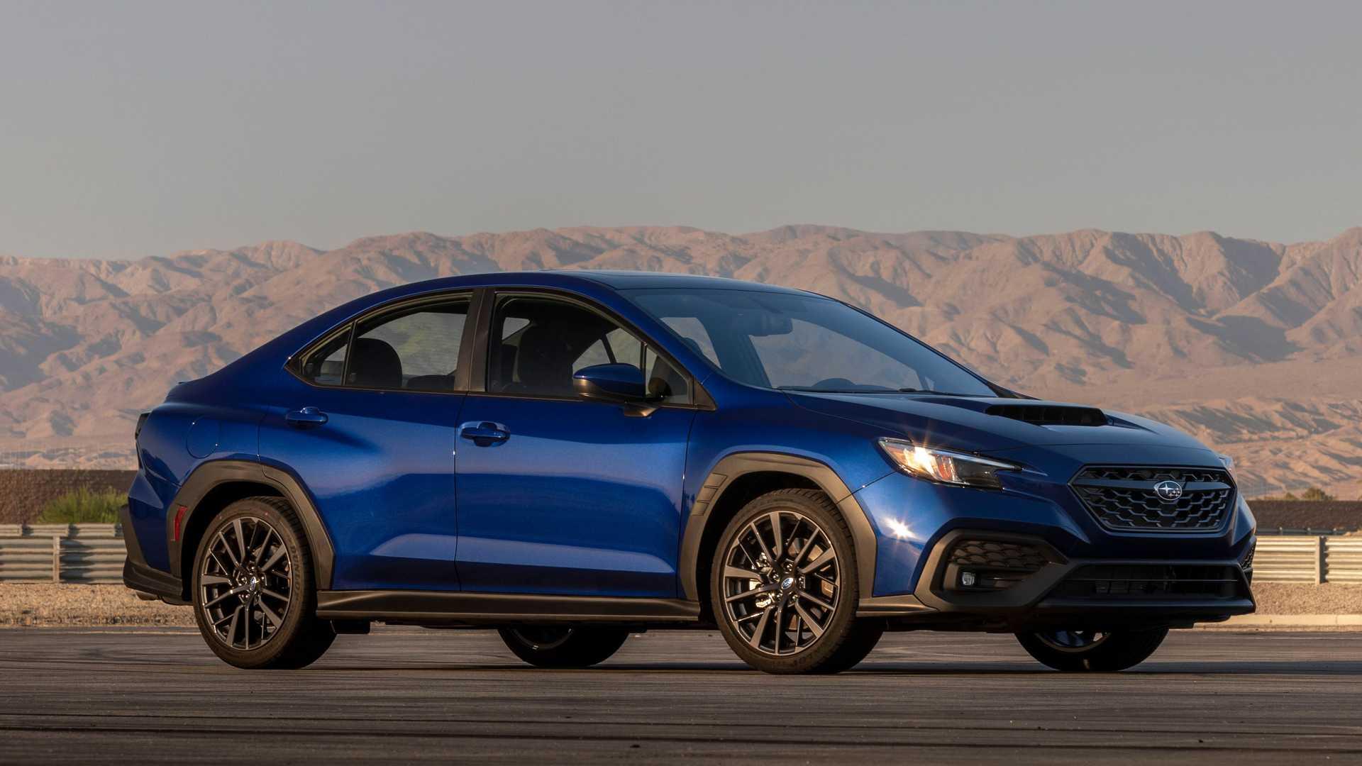 Ngoại thất của mẫu WRX thế hệ mới với ốp đen bao quanh thân xe và lốp xe. Ảnh: Subaru