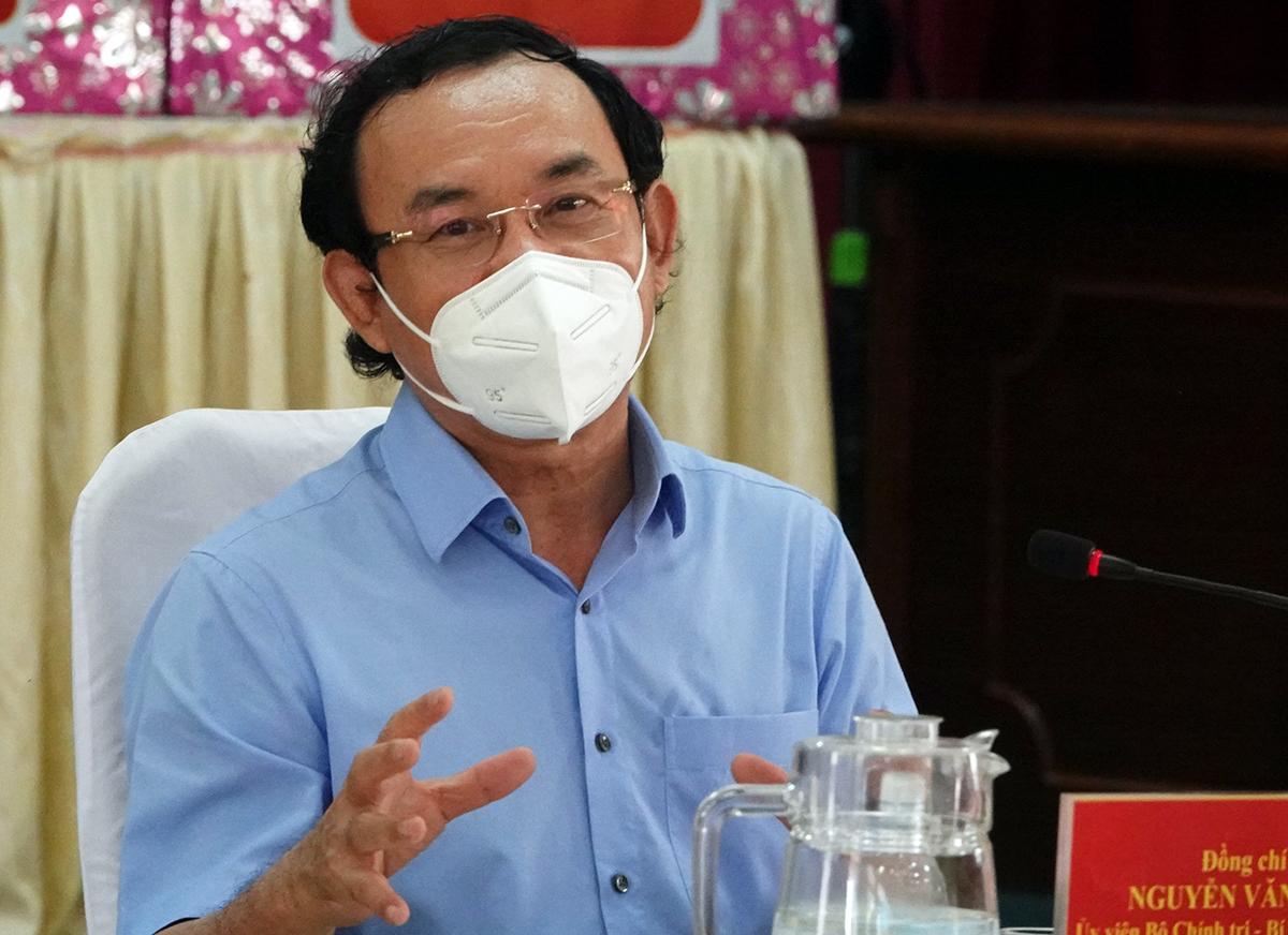 Bí thư Thành ủy TP HCM Nguyễn Văn Nên tại buổi làm việc với Huyện ủy Cần Giờ trưa nay. Ảnh: Trung Sơn