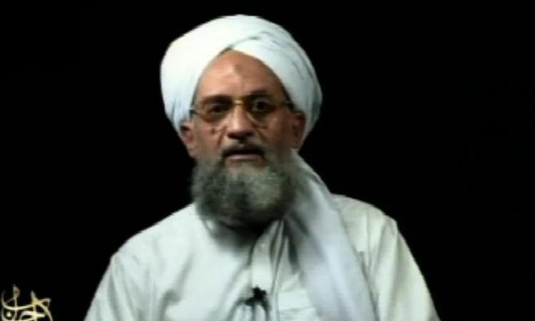 Ayman al-Zawahri xuất hiện trong một video đăng hồi năm 2006. Ảnh: AP.