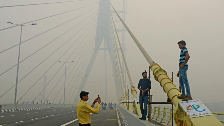 Cầu Signature, địa điểm chụp ảnh yêu thích của thanh niên Delhi, cũng thường xuyên xảy ra các vụ tự tử. Ảnh: India Today