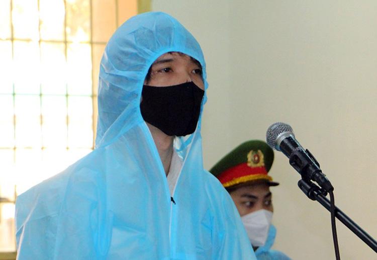 Bị cáo Nguyễn Hoàng Suốt tại phiên toà. Ảnh: Hoà Hưng