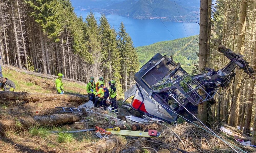 Hiện trường tai nạn cáp treo khiến 14 người thiệt mạng ở miền bấc Italy hồi tháng 5. Ảnh: AFP.