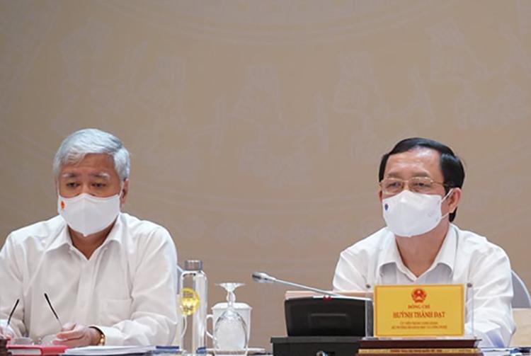 Bộ trưởng Khoa học và Công nghệ Huỳnh Thành Đạt (bìa trái) tham dự hội nghị. Ảnh: TH