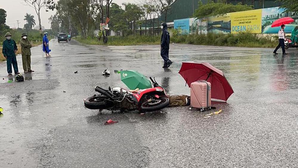 Hai người trên đường về quê bị sét đánh. Ảnh: CTV