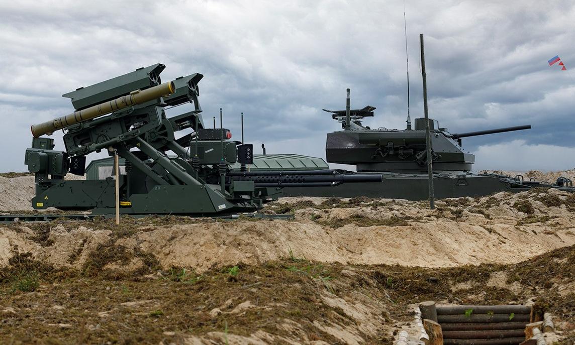 Robot chiến đấu của Nga tham gia bắn đạn thật tại thao trường Mulino hôm 14/9. Ảnh: BQP Nga.